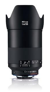 Zeiss Milvus 35mm f/1.4 с блендой, вид сбоку