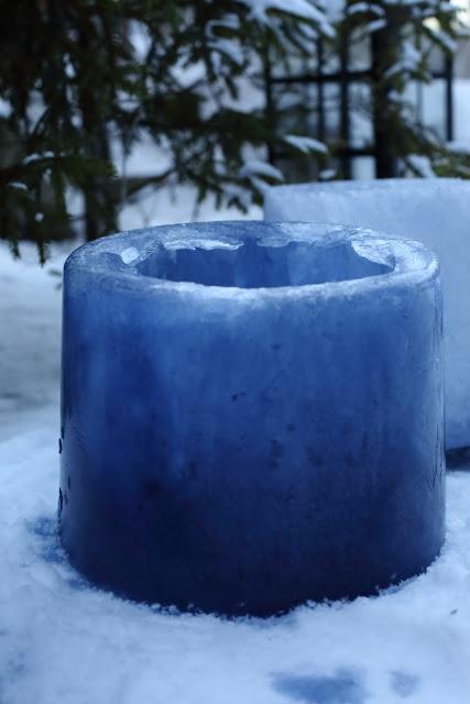 sininen jäälyhty