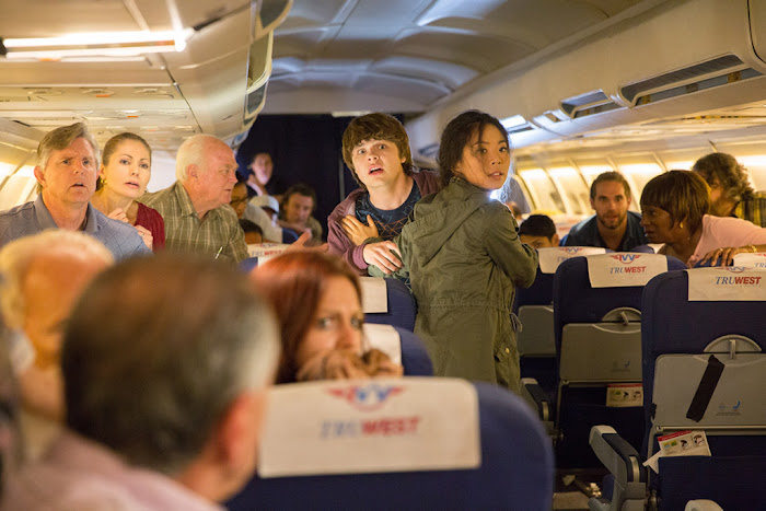 Fear the Walking Dead – Flight 462 _ Season 1, Episode 1 – Photo Credit: Justina Mintz/AMC