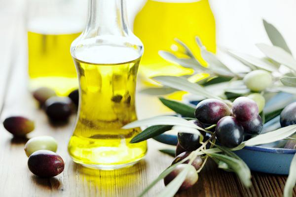 tinh dầu massage mặt nào tốt- dầu oliu