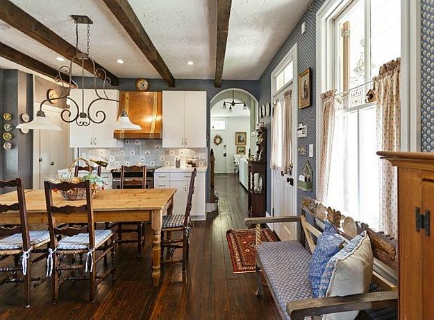 New Home Interior Design: A Victorian Farmhouse
