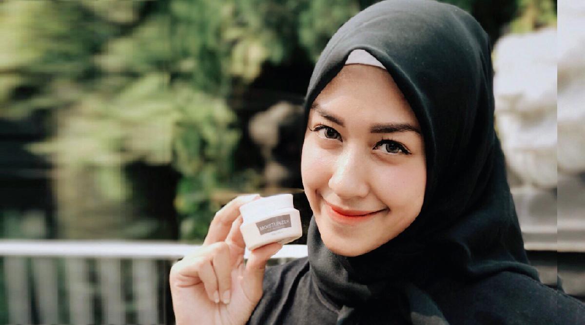 cewek manis dan hijab seksi dan manis Icha Anisa