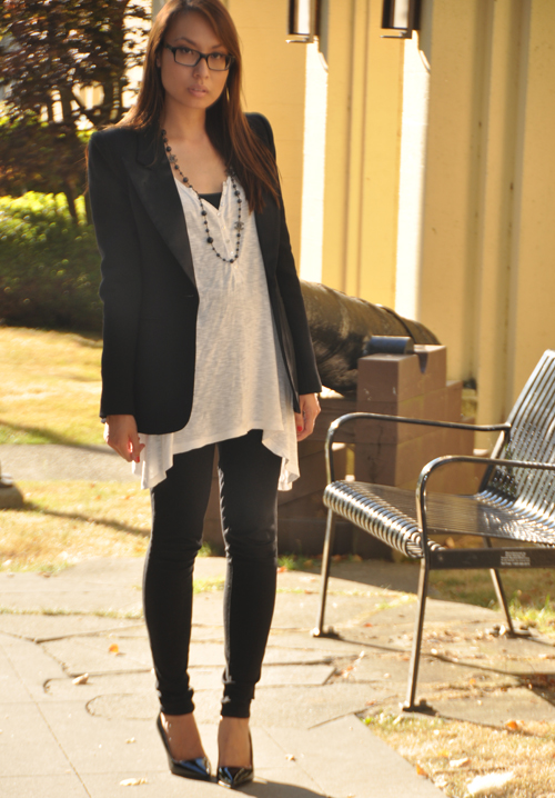 03e6aae4f94 Blazer  Smythe for Holt Renfrew   Top  H M   Pants  7 For All Mankind  (here). Shoes  Prada (in ...