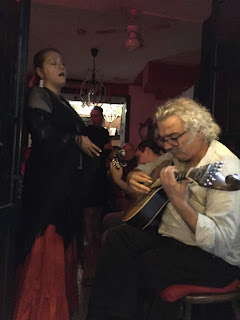 Enjoying Fado at Fora de Moda