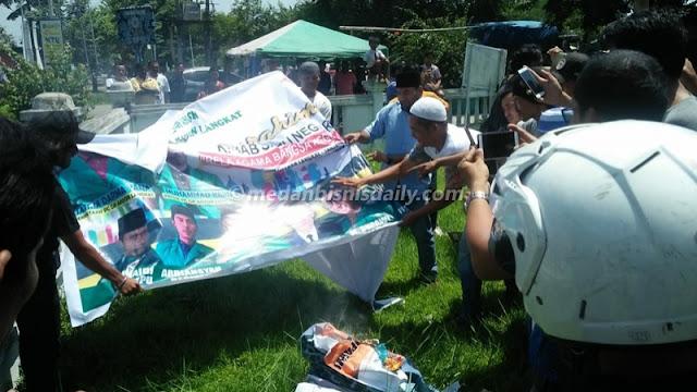Massa Bubarkan Acara Kirab Satu Negeri GP Ansor di Tanjungpura