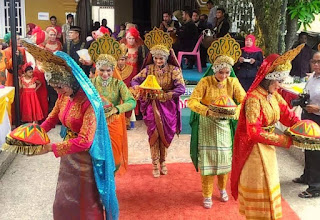 Tari Ranup Lampuan Tarian Tradisional Dari Aceh