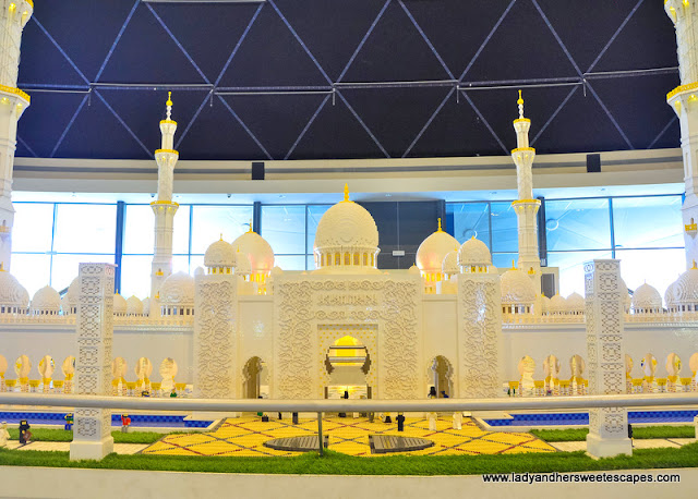 grand mosque at Legoland Dubai Miniland