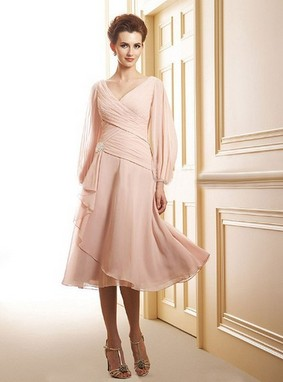 Long Sleeve V-neck Chiffon Crystal Brooch Tea-length Mother of the Bride Dress  –Price: USD $121.48 (55.0% OFF)