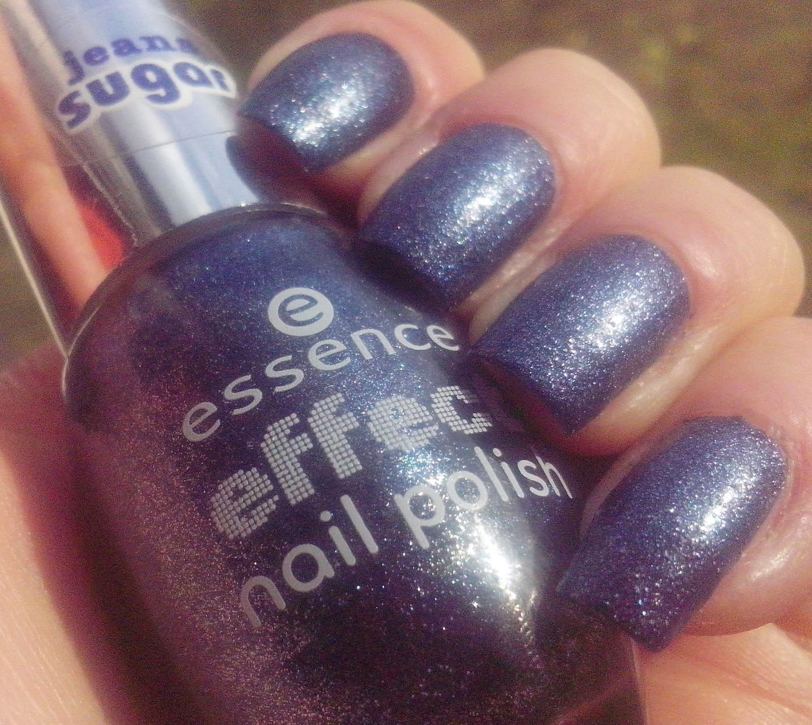 essence-effect-nail-polish-jeans-sugar-07-blue-jeaned