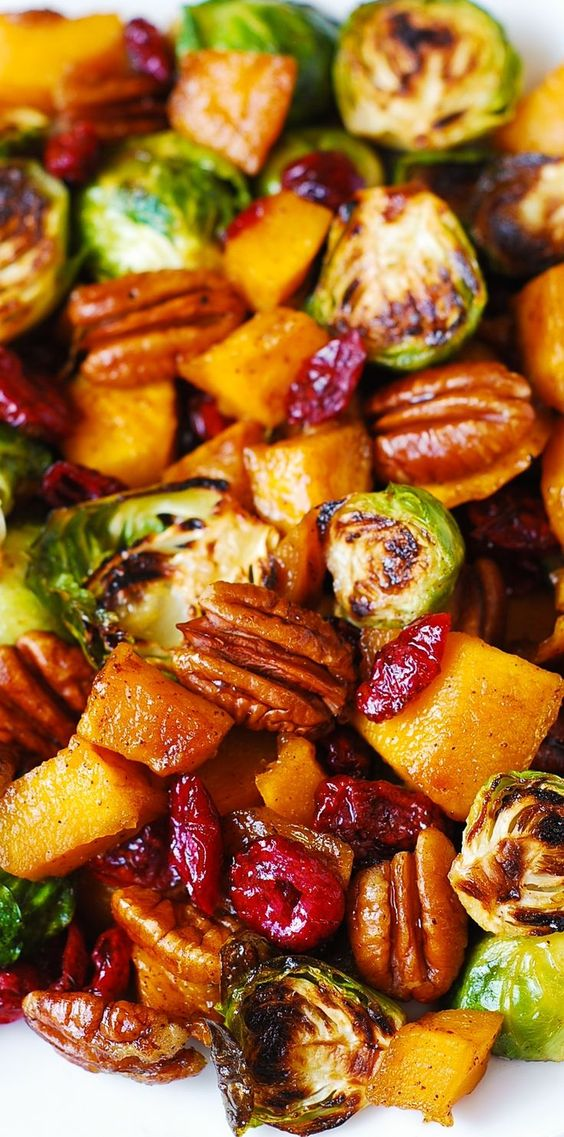 THANKSGIVING BUTTERNUT SQUASH SALAD WITH ROASTED BRUSSELS SPROUTS, PECANS, AND CRANBERRIES #butternut #squash #salad #saladrecipes #roastedbrussels #sprout #pecan #cranberries #veganrecipes #vegetarianrecipes #vegetablerecipes