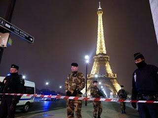 السلطات الفرنسية تغلق برج ايفيل استعدادا لنهائى المونديال