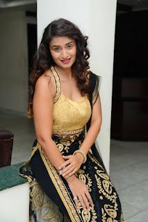 Actress Kiran Chetwani sizzling 039.jpg