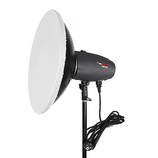 http://prostudio360.it/FotoQuantum-Flash-Kit-FQM-250-montaggio-Bowens-con-Beauty-Dish-42cm?utm_source=MarcoCrupi&utm_medium=Review-FQM-Flash-250