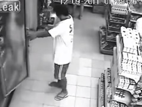 Poseído por un fantasma en supermercado