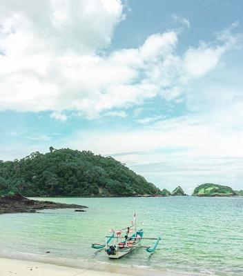 Mengeksplor Keindahan Pantai Wedi Ireng Banyuwangi