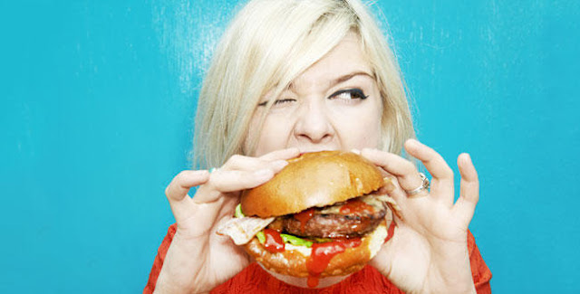 This Is Why Eating With Your Bare Hands Will Benefit The Body! READ HERE!