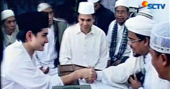 Dulu Syahadat Depan Habib Rizieq,  Kini Kembali Kristen
