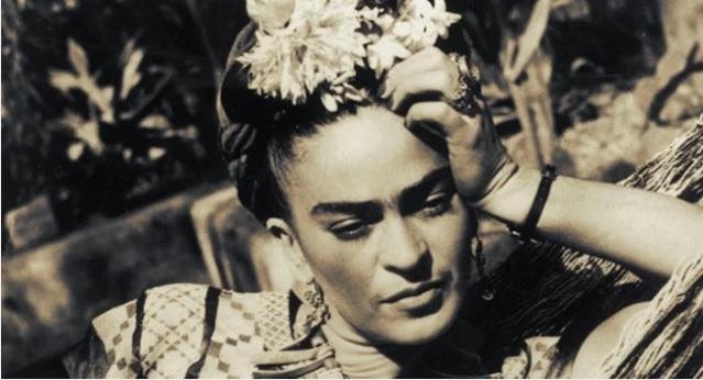 A identidade complexa e a vida secreta de Frida Kahlo