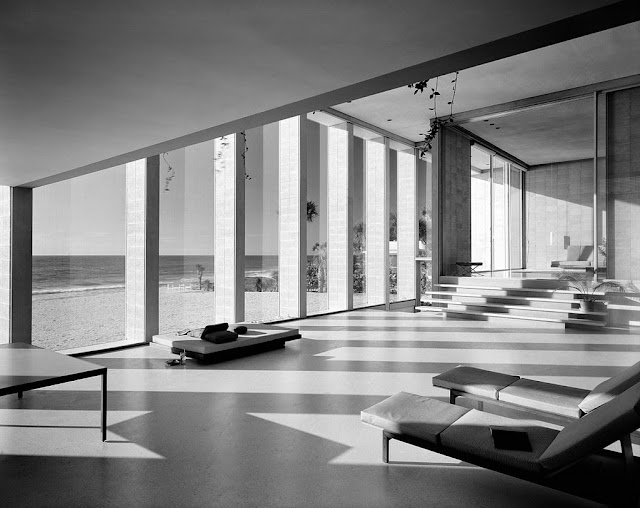 Photos by Ezra Stoller