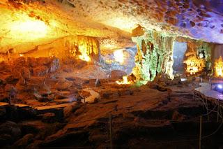 Dau Go cave 2