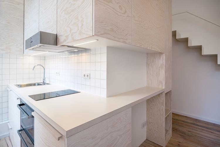 03-Spamroom-21sqm-Micro-Apartment-in-Moabit-Berlin-www-designstack-co