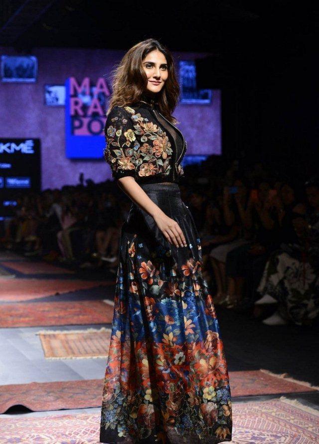Bollywood Actress Vaani Kapoor Ram Walk Images
