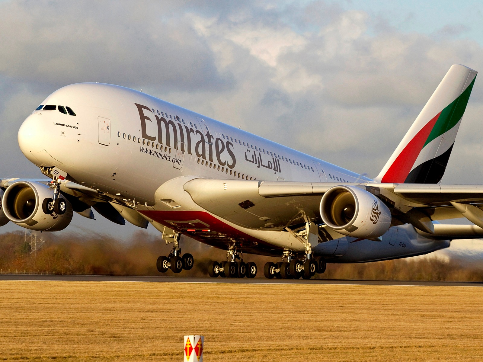 Emirates Airbus A380-800 Sunset Takeoff Aircraft Wallpaper