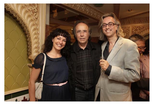 Victor Amela y Roser Amills con Serrat Paraules d'amor