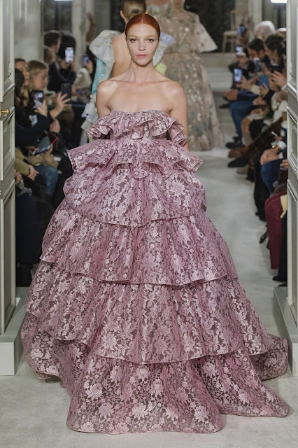 Oh, Oh, VALENTINO