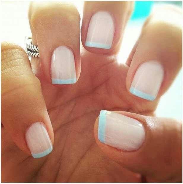 Acrylic nails or natural manicure- Which one is best?