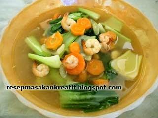 mengembangkan resep sederhana berupa kuliner berkuah bening dengan cita rasa gurih dari khas ka RESEP SUP UDANG BENING YANG ENAK