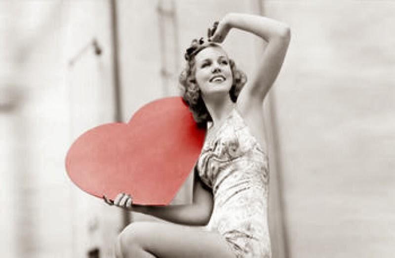 Μάθε τι κάνει κάθε ζώδιο για να το... ερωτευτείς!