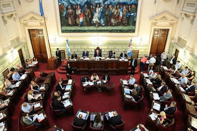 Cámara de Diputados presidida por Antonio Bonfatti