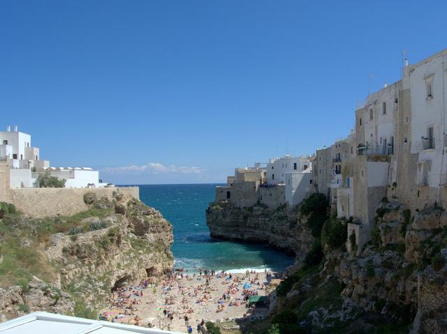 plaża w Polignano a Mare jak dojechać?