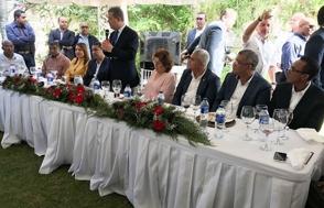 Leonel dice a dirigentes PLD en Puerto Plata que les espera un futuro de transformaciones en RD