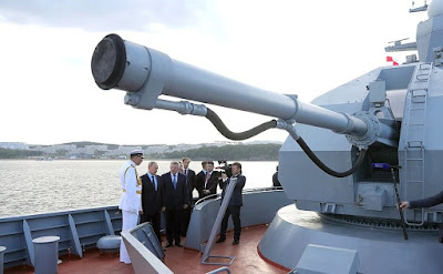 Vladimir Putin toured the new Russian Project 20380 Corvette Sovershenny.