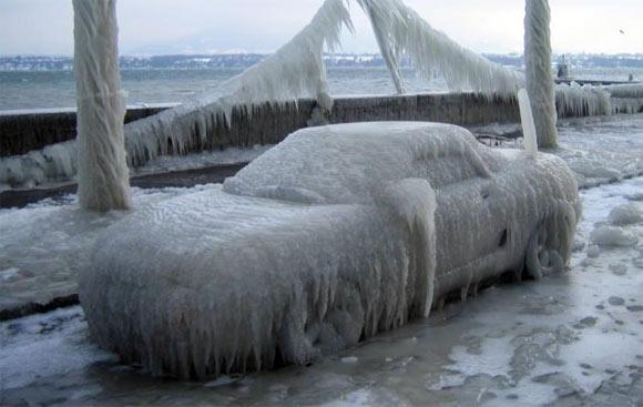 frozen car Οι 9 τρόποι που μας κοροϊδεύουν οι αυτοκινητοβιομηχανίες Diesel, Fun, VW, zblog