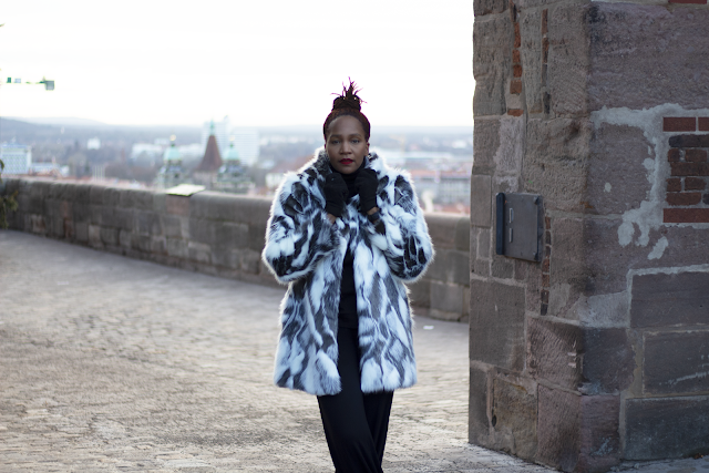 Castles and Fur Coats !