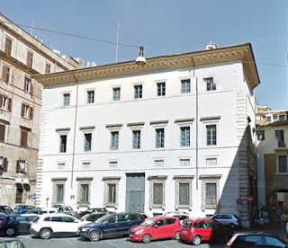 The Palazzo dei Cenci, off Via Arenula, was the Cenci family's palatial home in the 16th century