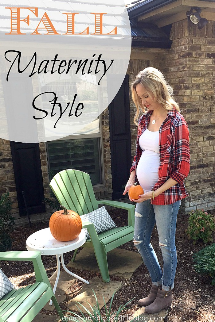 Ways to be stylish this fall while pregnant! Use a mix of maternity and nonmaternity clothes to dress your baby bump this fall #fallmaternitystyle #maternitystyle #maternityfashion #fallfashion