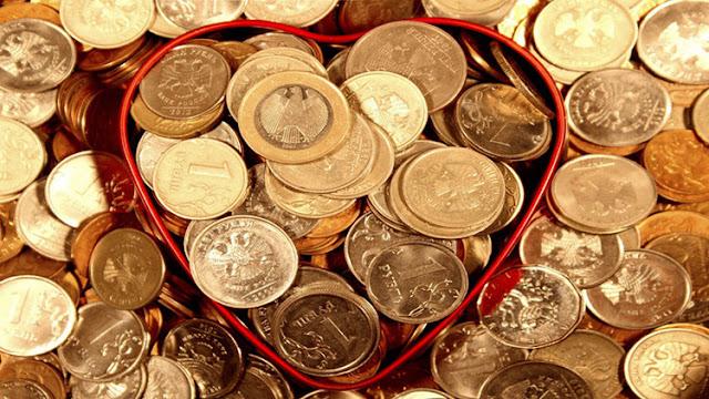 ¿El dinero o el amor? Un estudio mundial descubre la fuente de la felicidad