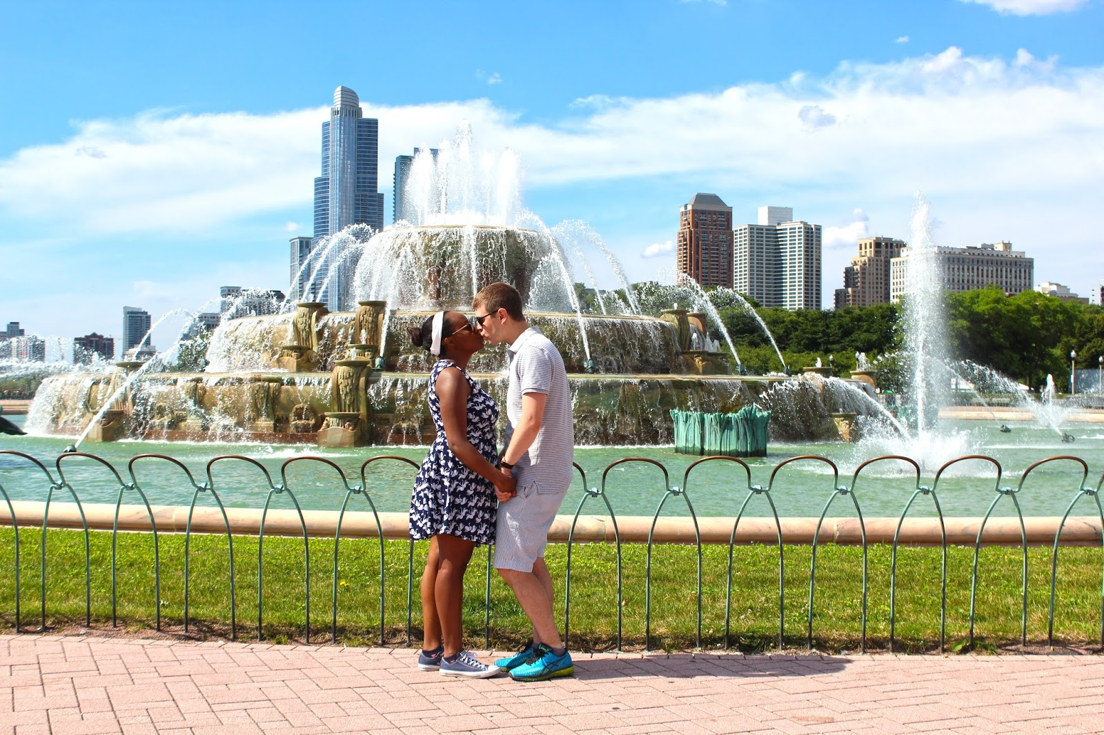 buckingham fountain engagement