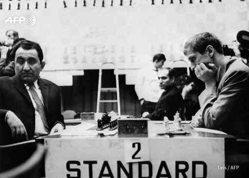 Le 8 janvier 1958, Bobby Fischer remporte à 14 ans les championnats d'echecs aux Etats-Unis. Ici en juillet 1971 à Buenos Aires - Photo © AFP