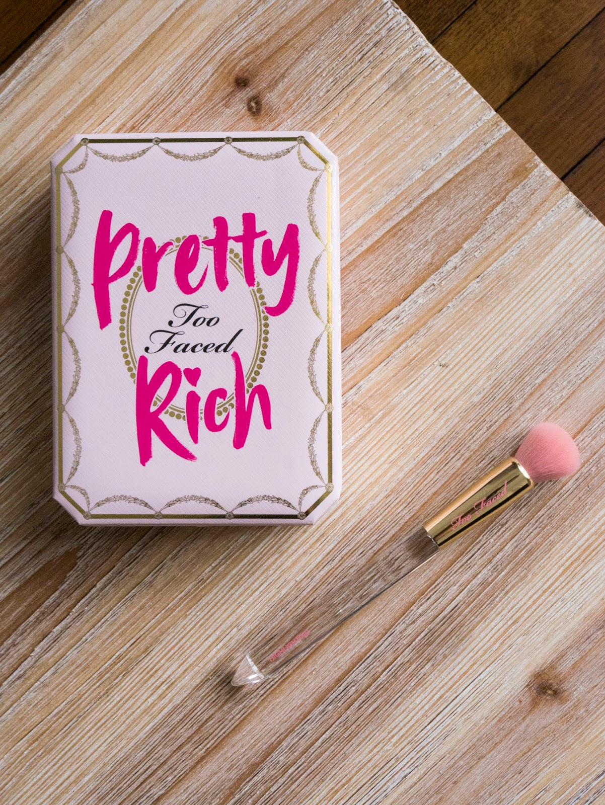 Pretty Rich Too faced - revue et swatchs