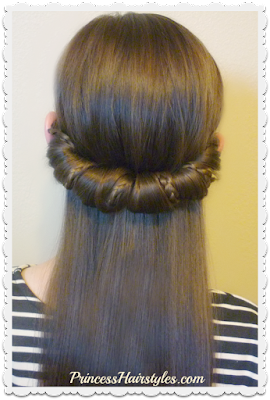 Cute hairstyle for school using headband.