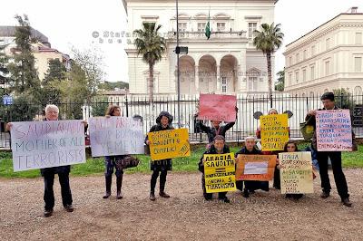 Risultati immagini per Roma. Presidio contro i crimini dell'Arabia saudita