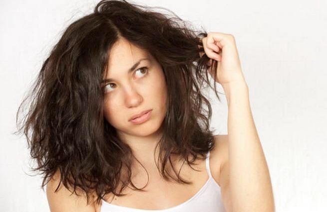 Cara Mengatasi Rambut Kering dan Mengembang seperti Singa