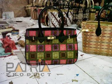 TAS BATIK INDONESIA  Lokasi Pengrajin tas batik ciampea - bogor 10413c3fba