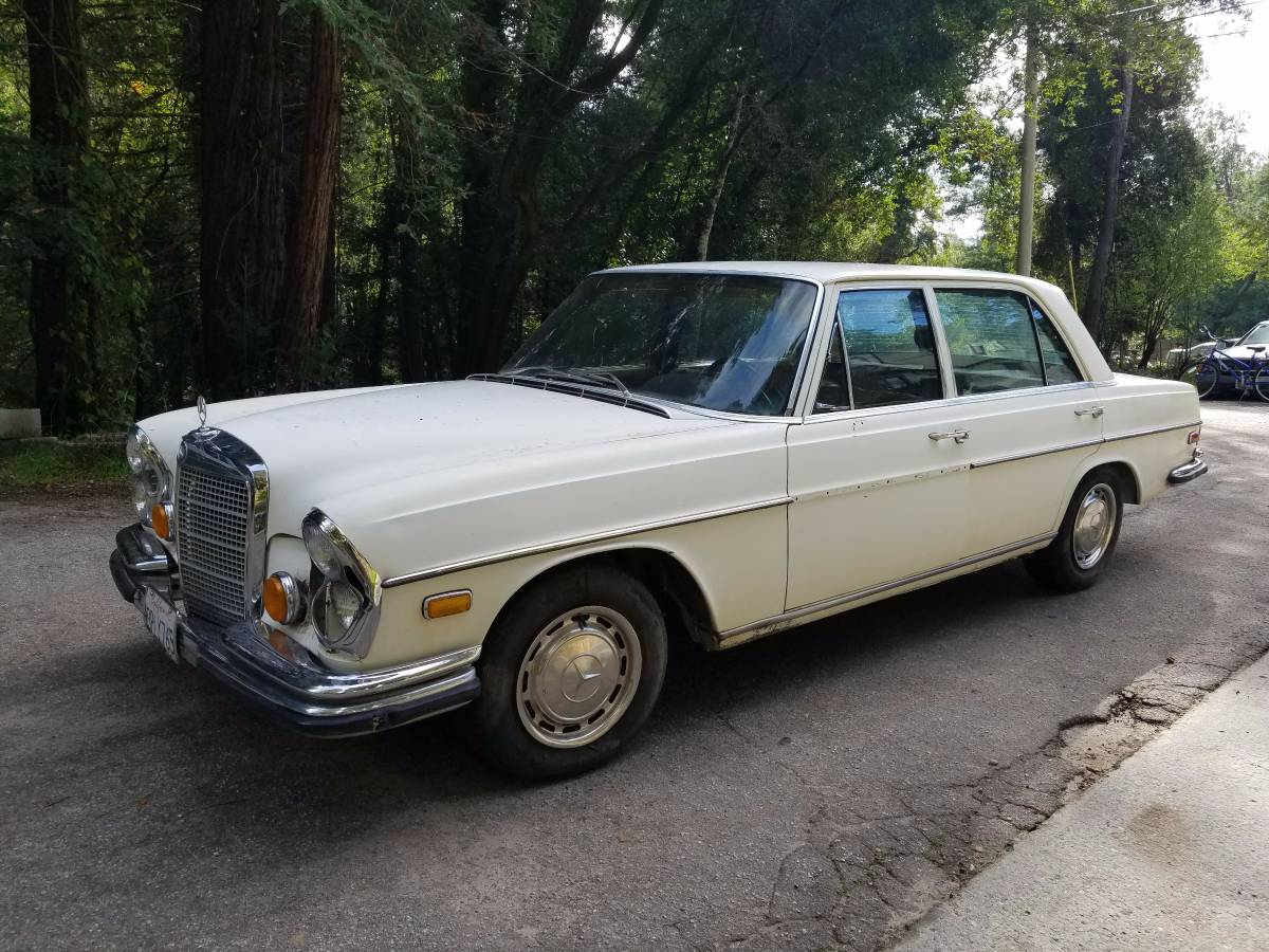 Daily turismo bracq friday 1972 mercedes benz 280sel 4 5 for 1972 mercedes benz