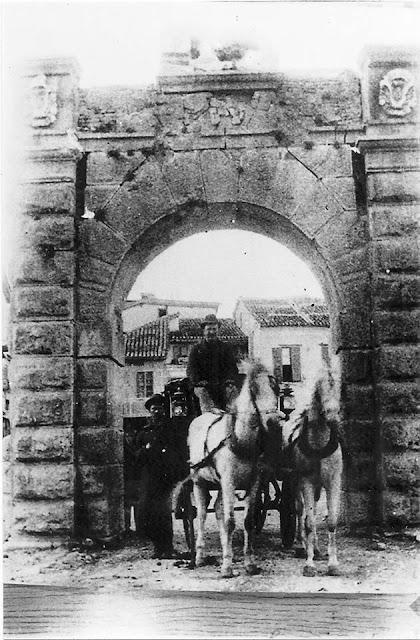 """Η ιστορική """"Πύλη της Ξηράς"""" στο Ναύπλιο"""